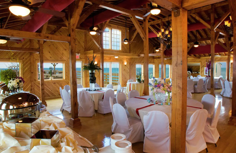 Weddings at Hilton Garden Inn Outer Banks/Kitty Hawk.
