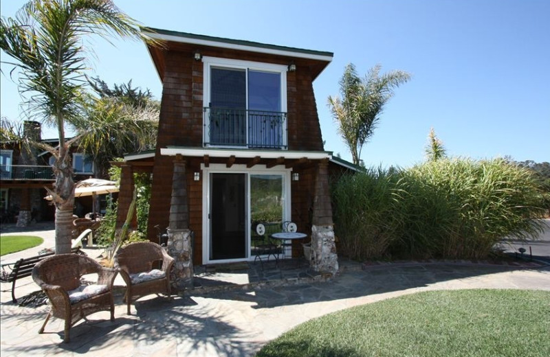 Cottage exterior at Wine Country Cottages and Rentals.