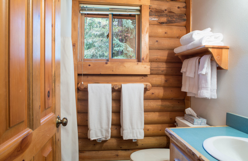 Cabin bathroom at North Forty Resort.