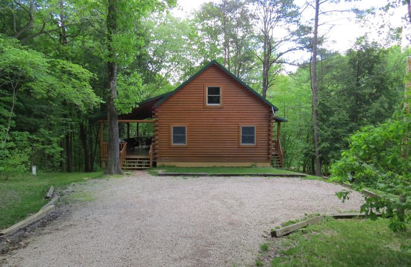 Cabin exterior at Creeks Crossing Cabins.