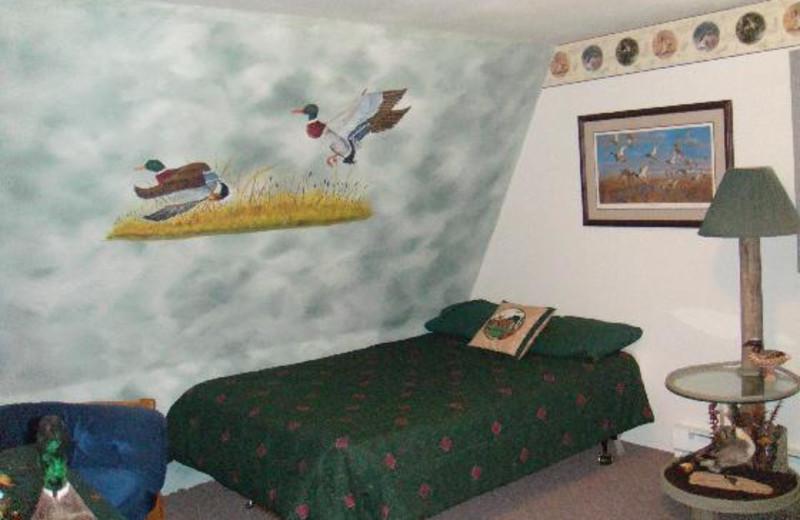 Guest room at Dakota Hunting Lodge.