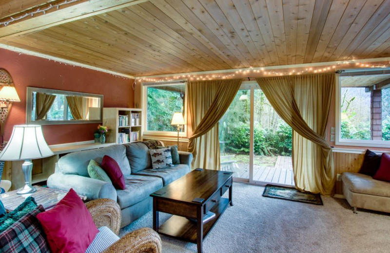 Vacation rental living room at Vacasa Rentals Mt Hood.