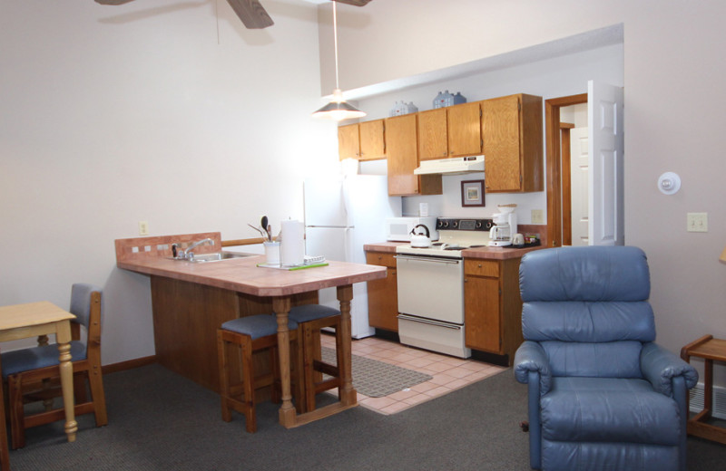 Guest kitchen at Streamside on Fall River.