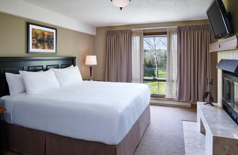 Guest bedroom at Deerstalker Resort.
