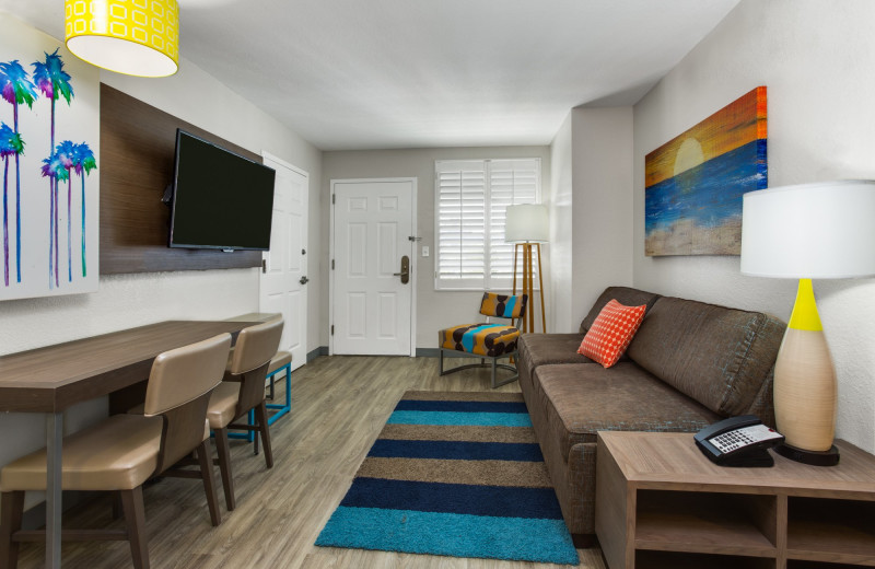 Guest living room at Holiday Inn Resort Orlando Suites - Waterpark.