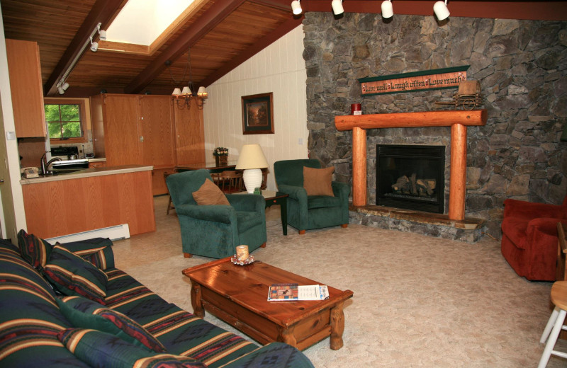 Guest living room at Bay Point on the Lake.
