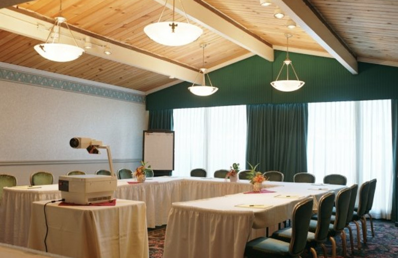 Meeting room at Los Gatos Lodge.