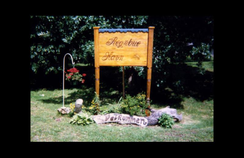 Welcome to Regnbue Haven Resort.