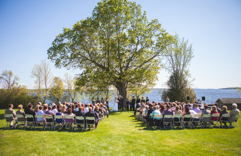Outdoor wedding at Eganridge Resort, Country Club & Spa.