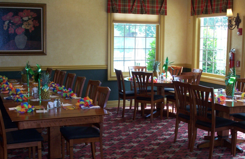 Dining area at Pointe Royale.