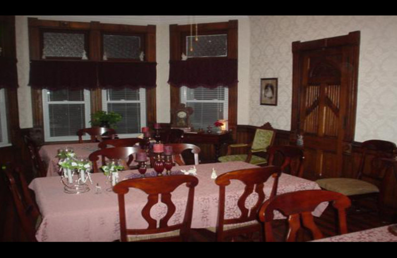 Dining room at Whispering Sisters B & B.