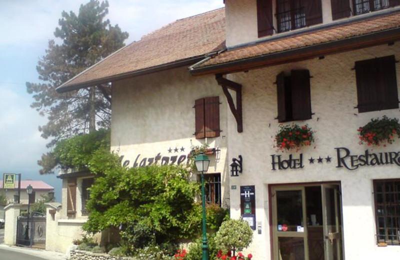 Exterior view of Hôtel Restaurant Le Fartoret.