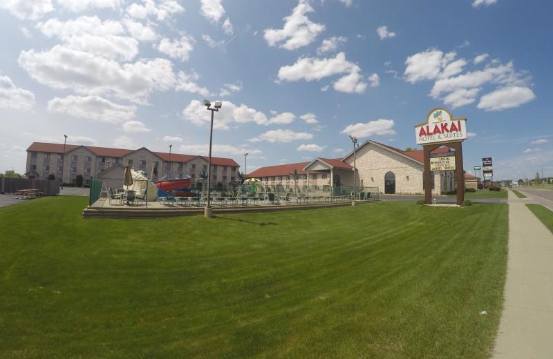 Exterior view of Alakai Hotel & Suites.