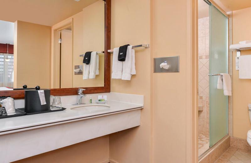 Guest bathroom at Best Western Plus King's Inn & Suites.