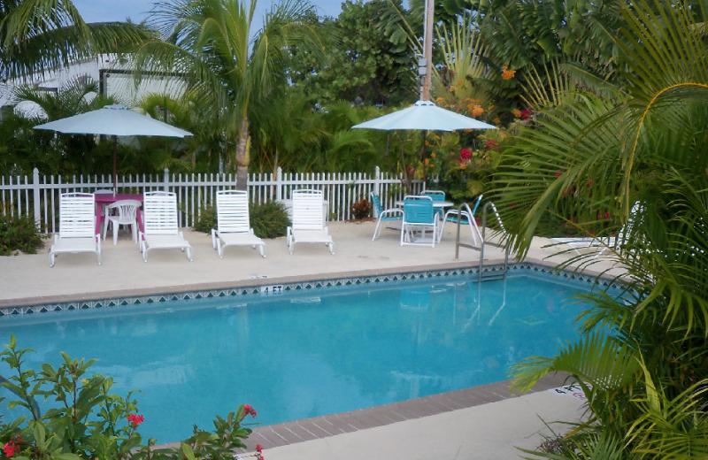 Outdoor pool at Grassy Key RV Park & Resort.