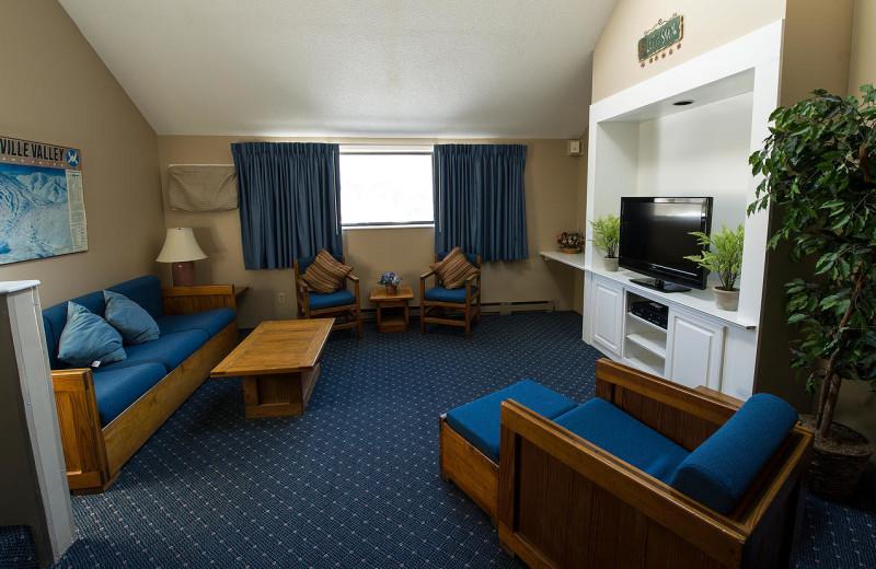 Guest living room at Black Bear Lodge.