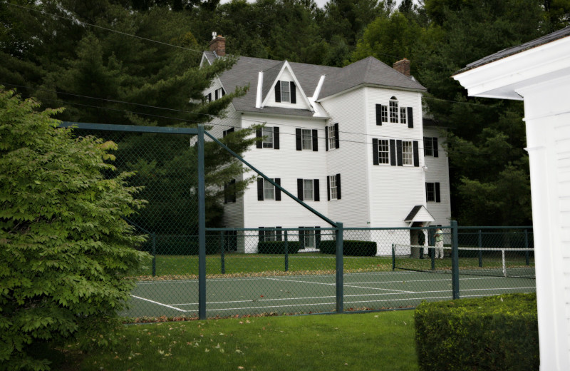Tennis court at Echo Lake Inn.