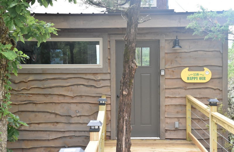 Suite exterior at Can-U-Canoe Riverview Cabins.