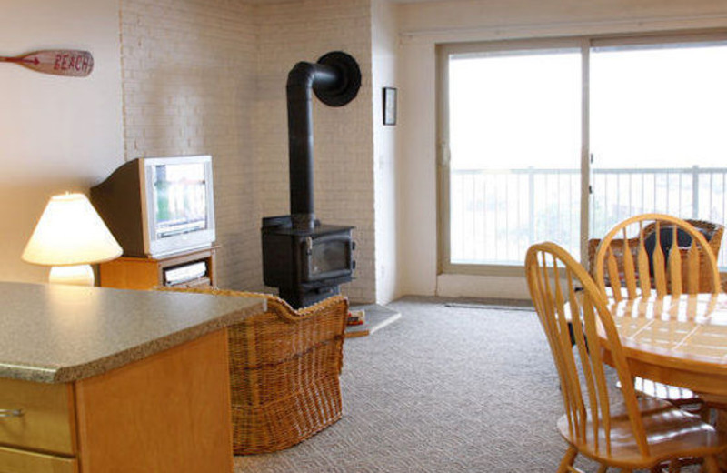 Guest room interior at Gearhart by the Sea.