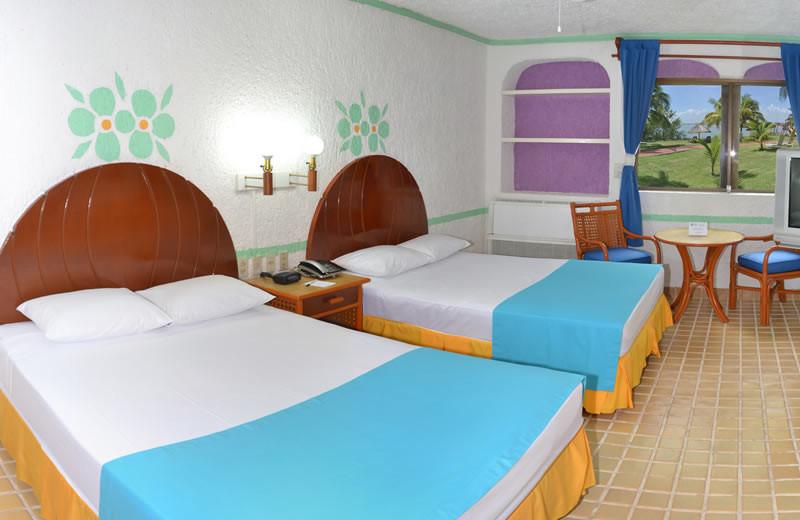 Guest room at Best Western Cancun Clipper Club.