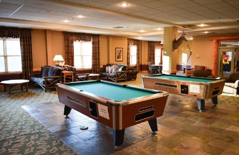 Game room at The Lodge at Giants Ridge.