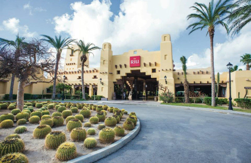 Exterior view of Hotel Riu Santa Fe.