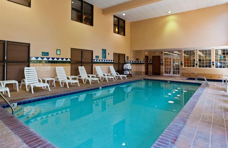 Indoor pool at The Heathman Lodge