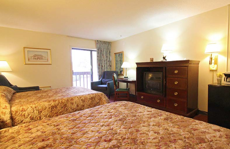 Double queen room at Fireside Inn & Suites at Lake Winnipesaukee.