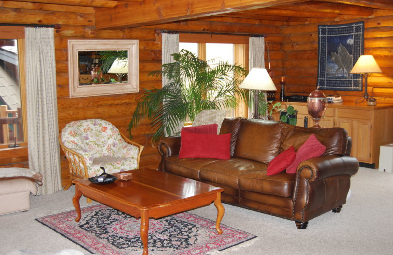 Living Room at Howlers Inn Bed and Breakfast