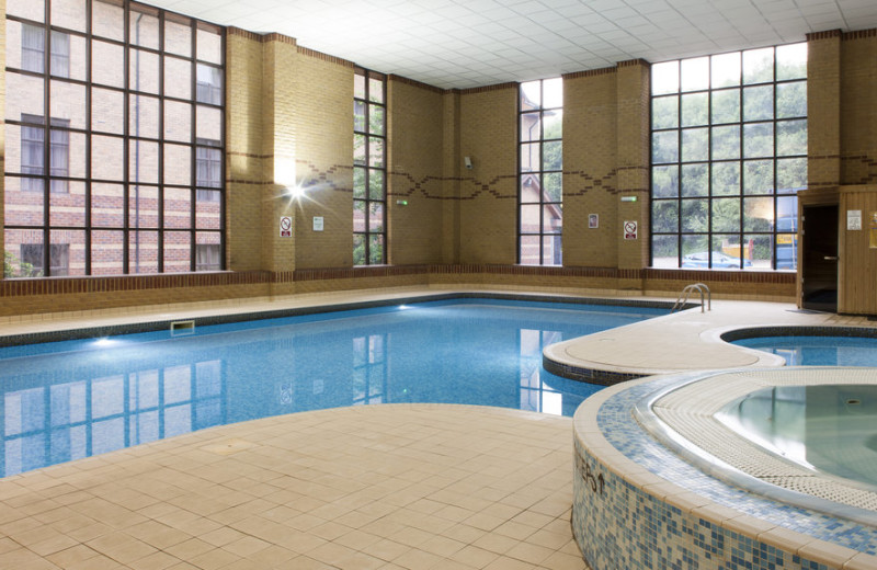 Indoor pool at Holiday Inn Rotherham-Sheffield.