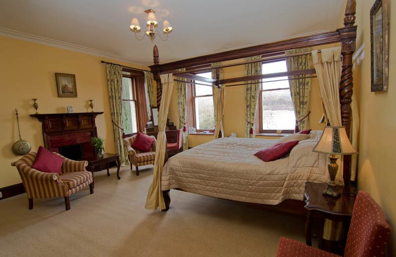Guest room at Glenfinnan House.