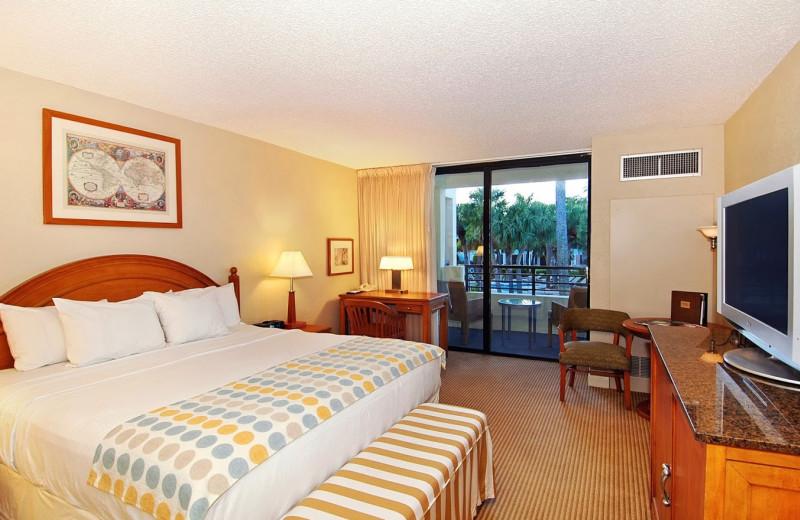 Guest bedroom at Hyatt Regency Pier Sixty-Six.