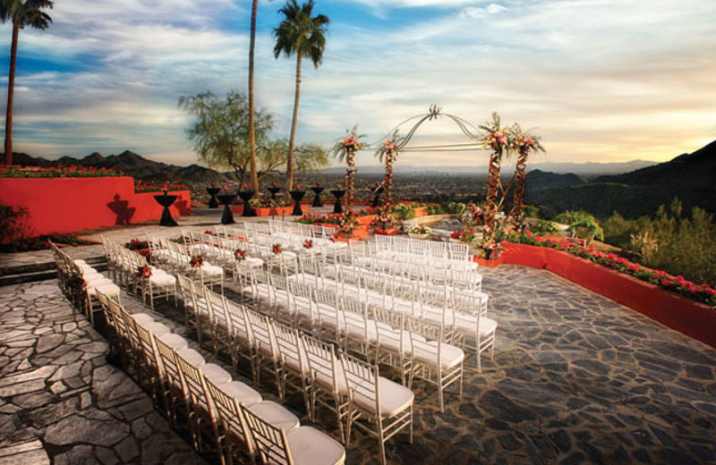Outdoor Ceremony at Pointe Hilton Tapatio Cliffs Resort