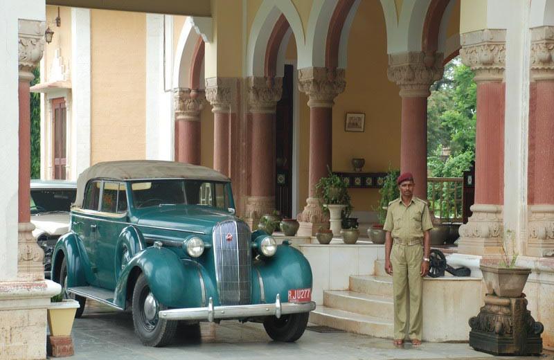 Valet service at Bhanwar Vilas Palace.