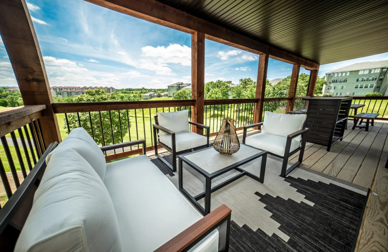 Cottage deck at Thousand Hills Vacations.