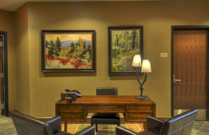 Lobby at Trailhead Lodge.