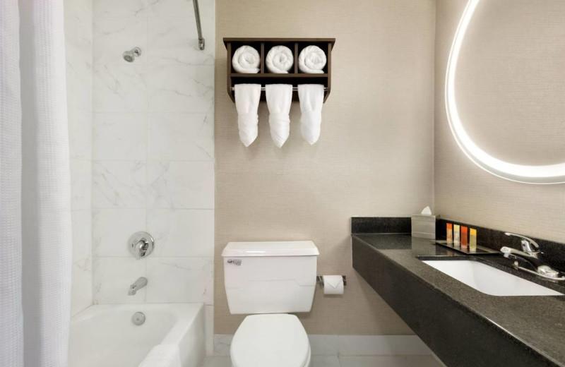 Bathroom at Surfbreak Oceanfront Hotel.