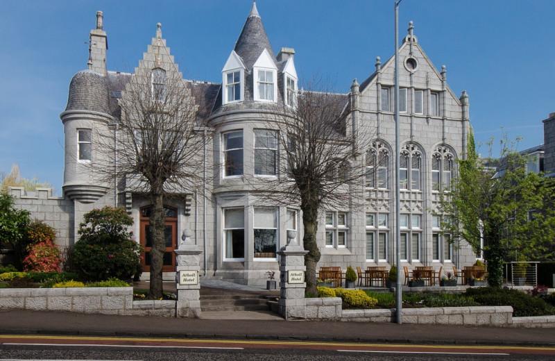 Exterior view of Atholl Hotel Aberdeen.