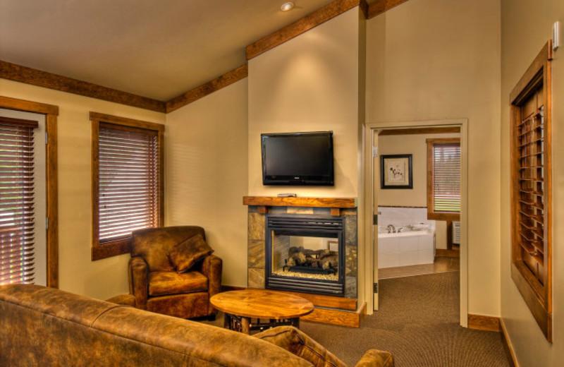 Townhouse living room at Elk Ridge Resort.