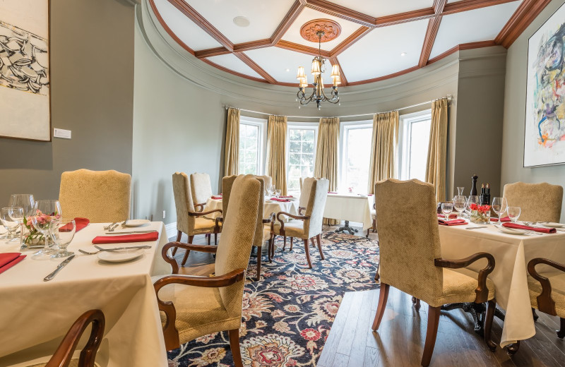 Dinning room at Idlewyld Inn.