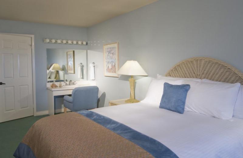 Guest room at Riviera Beach & Spa Resort.