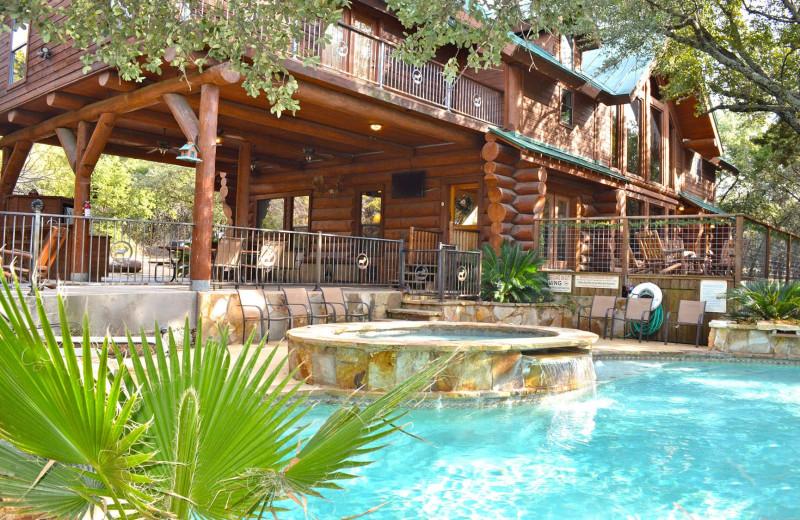 Rental pool at Log Country Cove.