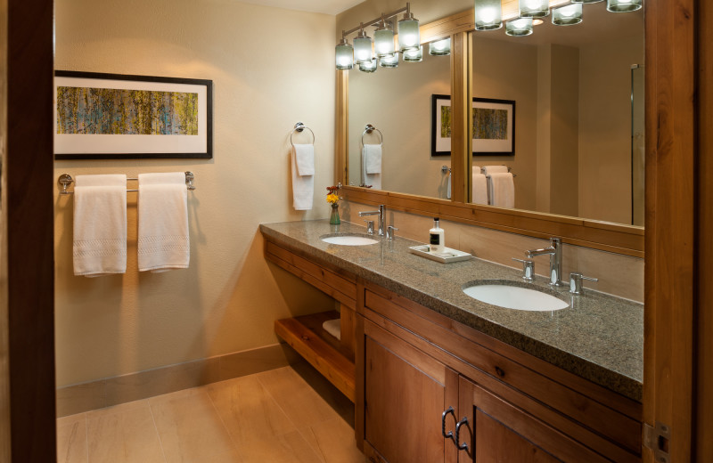 Guest bathroom at Grand Summit.