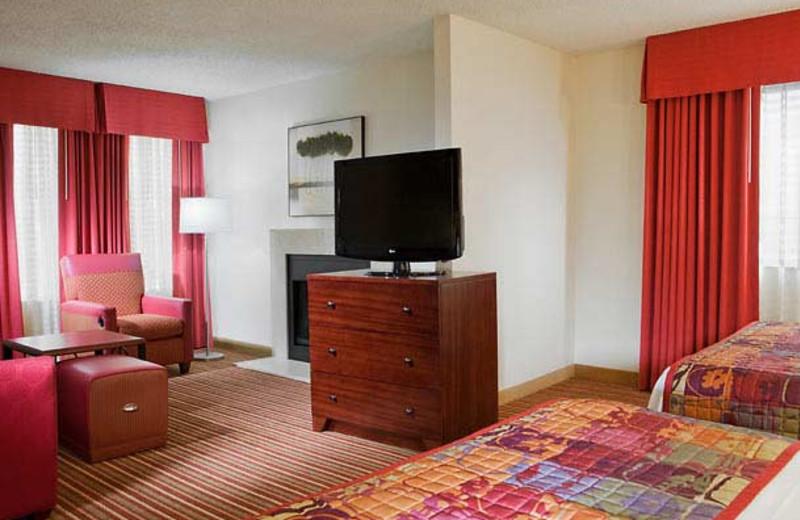 Guest room at Residence Inn by Marriott Dallas - Las Colinas.