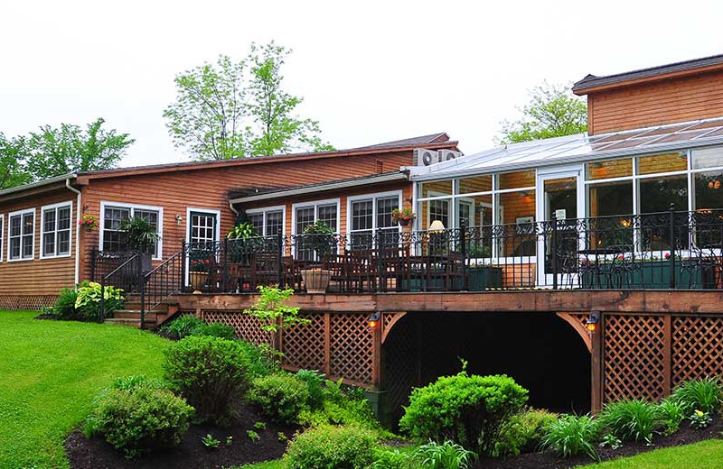 Exterior view of Tyler Place Family Resort.