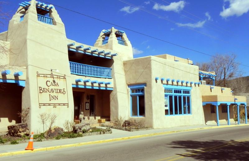 Exterior view of Casa Benavides Bed & Breakfast.