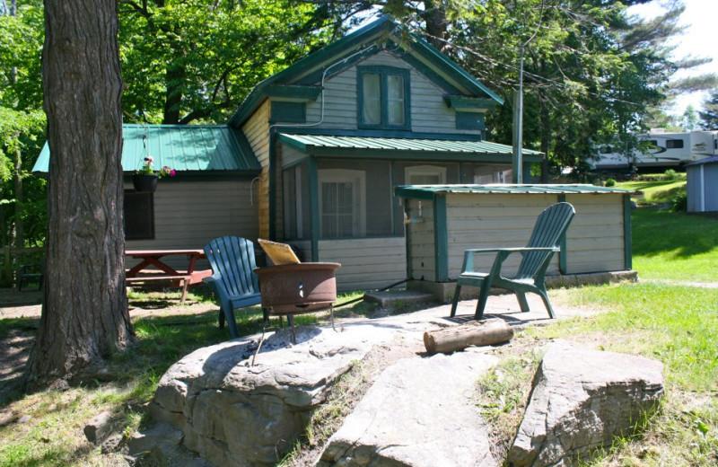 Riverbay Adventure Inn