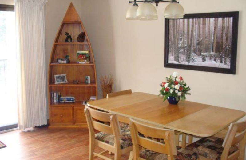 Dining room at Lakewoods Resort.