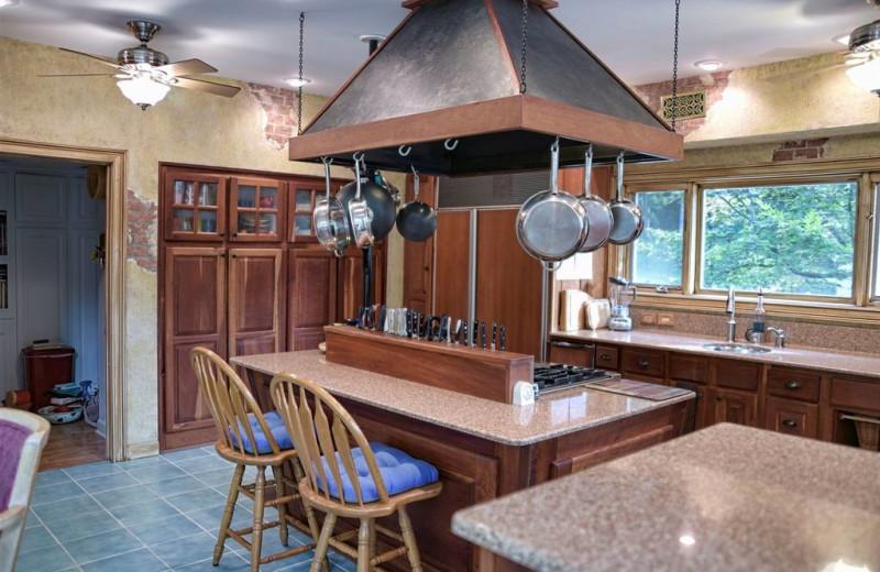 Guest kitchen at River Ridge Inn.