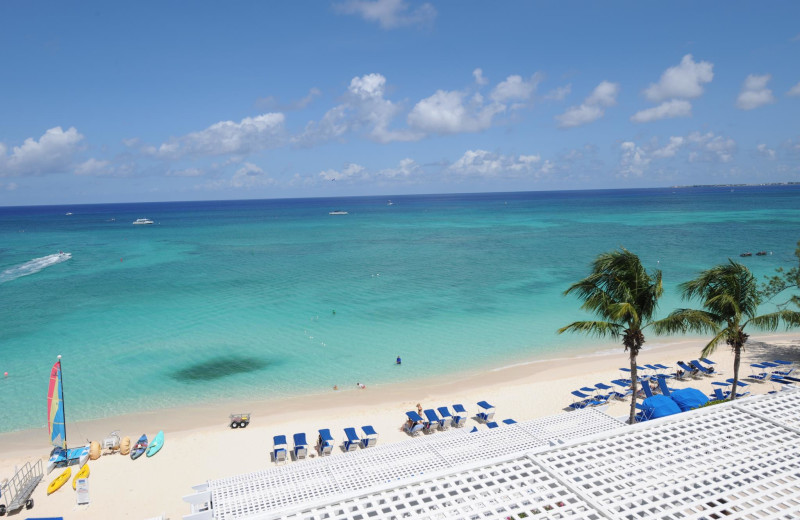 The beach at Grand Cayman Beach Suites.